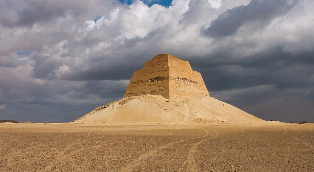 Day Tour to Fayoum Pyramids from Cairo